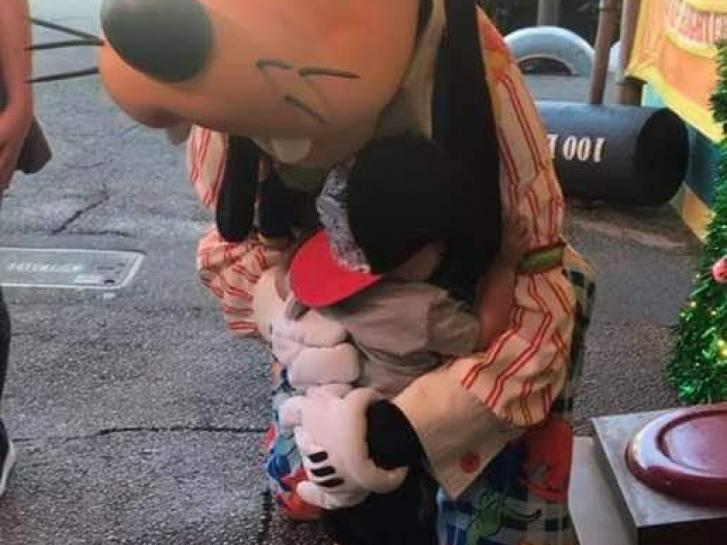 Guest Photo from M. Ortega: Child with Goofy